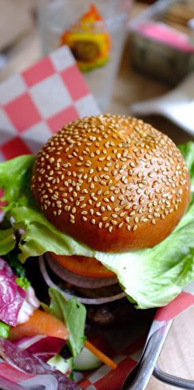 Letzz-eat-burger