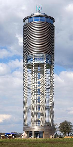 La tour bleue qui est grise