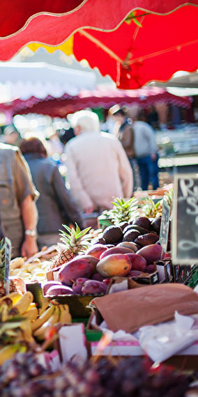 """Market in the city center: """"Stater Maart"""""""